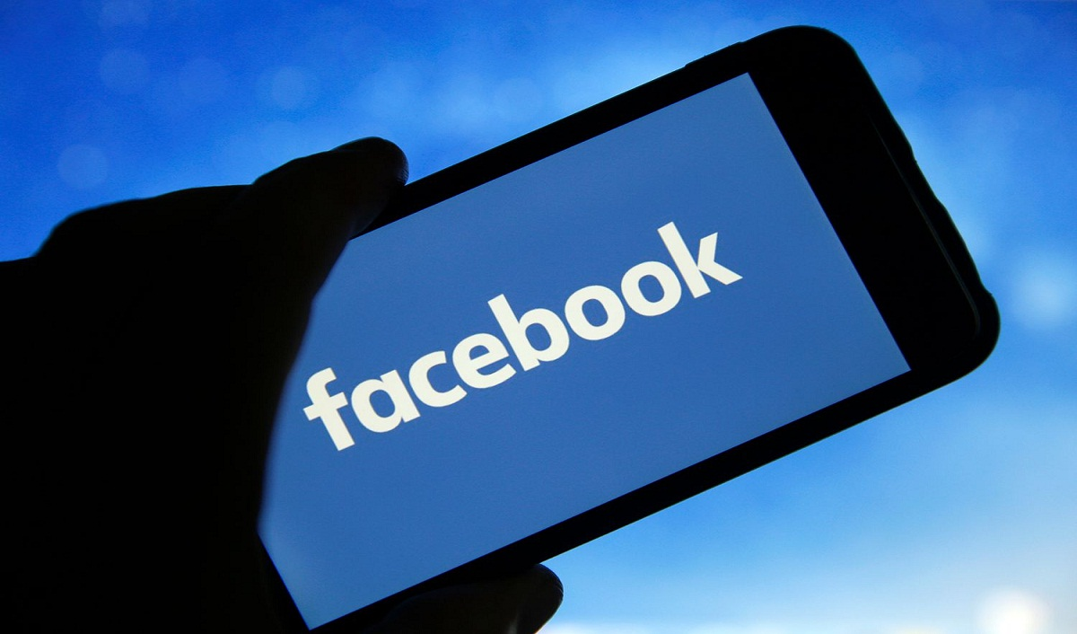 Facebook Inks Global Music Licensing Deal With Tips
