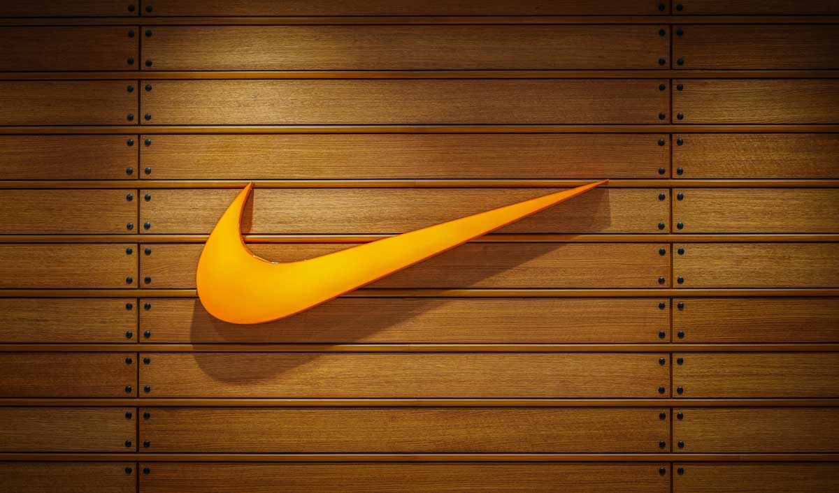 Liverpool signs Nike as its new official kit supplier