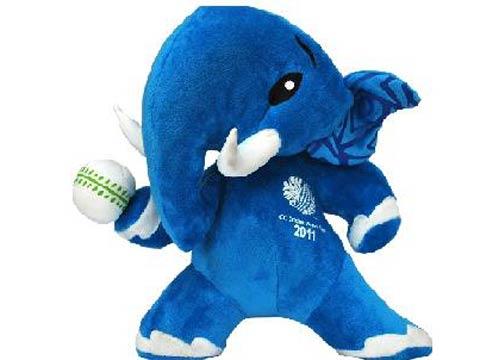 Simba ready to play with WC mascot 'Stumpy'