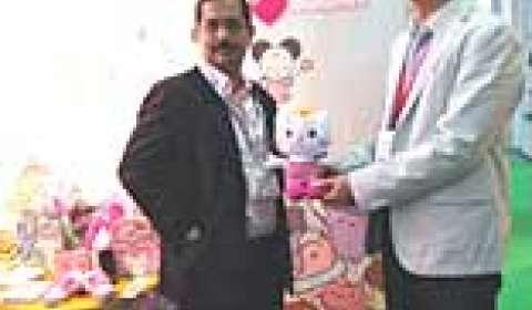 Aadarsh brings Angel Cat Sugar to India
