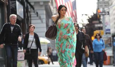 hide sign bag in English Vinglish